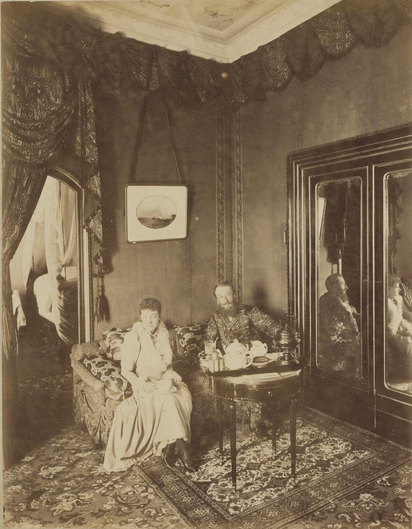 Izabelė Feraud ir B. H. Tiškevičius Nicoje, 1892 m. Petraičių šeimos archyvas